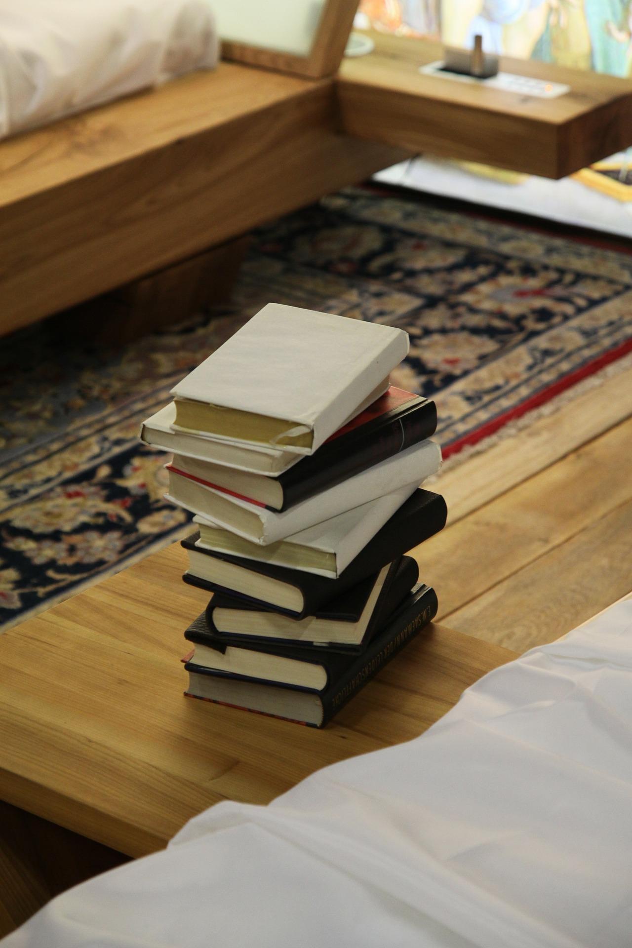 books-165557_1920